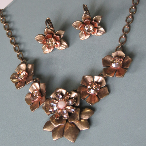 Chloe + Isabel Jewelry - Chloe and Isabel Gardenia Necklace and Earrings